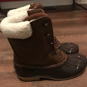 Winter duck boots